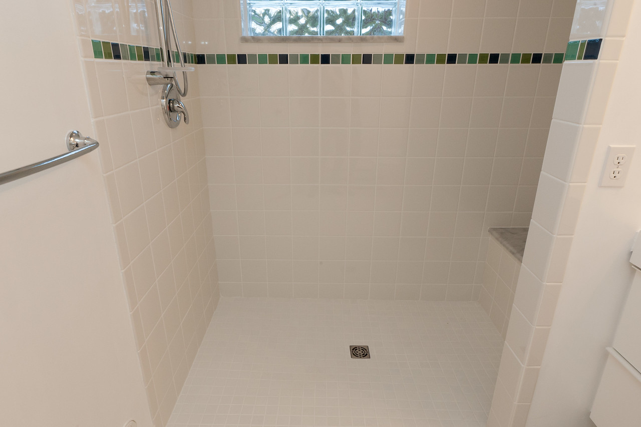 daltile 6x6 white semigloss field tile glass reflections 2x2 tile as an accent