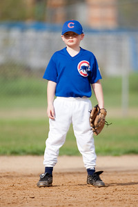 Christopher at short stop. The Cubs had a difficult loss (2-10) to a more experienced team in their 2nd pre-season game and are now 1-1 in pre-season play. Cubs vs Diamondbacks (25 Apr 2009) (Image taken with Canon EOS-1D Mark II at ISO 100, f2.8, 1/1000 sec and 300mm)