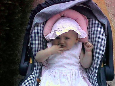 This is one of Kathy's favorite outfits for Sydney, so that explains the number of pictures she took! Thanks John for the loan of the digital camera. This was really the first time Kathy put it to use.
