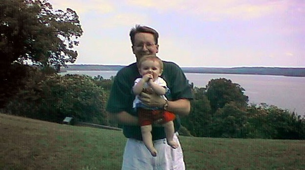 Pat and Sydney Kane at George and Martha Washington's Mount Vernon home, with the Potomac River in the background.