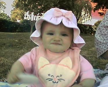 Sydney Kane enjoying a picnic on the Mount Vernon grounds.