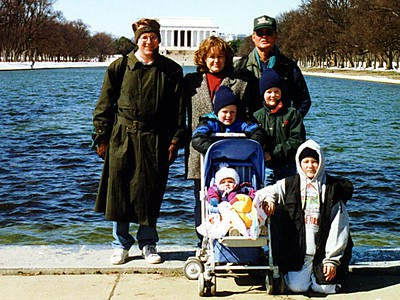 Patrick and Sydney Kane with the Roth family (Besty, Frank, Nathan, Grady and Ryan) in front of the Lincoln Memorial. Think it's a little cold outside? Brrr...