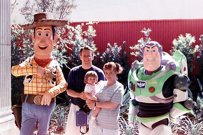 Pat, Kathy and Sydney getting our picture taken with Woody and Buzz Lightyear at MGM/Disney Studios.   While I was working on Tue and Wed in Cape Canaveral, the girls enjoyed Walt Disney World. Tue was spent in Animal Kingdom and Wed at Magic Kingdom. I was able to join them Thu at Magic Kingdom and Fri at MGM/Disney Studios. The weather was quite hot, so we spent a little bit of time in the swimming pool too. What a week!