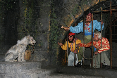 The pirates just aren't having any luck talking the dog into bringing them the keys in the Pirates of the Caribbean.
