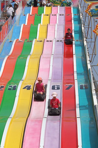 Sydney and Zandler on the big slide at the 2005 Ventura County Fair.