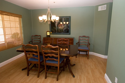 Dining Room. 2611 Woodside Place, Oxnard CA. (Image taken with Canon EOS 20D at ISO 400, f11.0, 1/8 sec and 14mm)