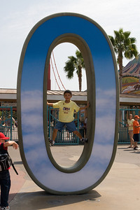 Disneyland and California Adventure (Image taken with Canon EOS 20D at ISO 800, f14.0, 1/640 sec and 30mm)