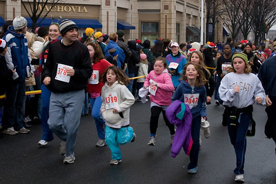 Sydney has been participating twice a week in a before-school program called Girls on the Run. The fall season finished with a 5K run during the 2nd Annual Girls on the Run Reindeer Romp. (Image taken with Canon EOS 20D at ISO 800, f9.0, 1/200 sec and 30mm)