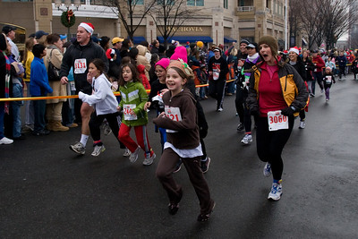 Sydney has been participating twice a week in a before-school program called Girls on the Run. The fall season finished with a 5K run during the 2nd Annual Girls on the Run Reindeer Romp. (Image taken with Canon EOS 20D at ISO 800, f8.0, 1/250 sec and 17mm)