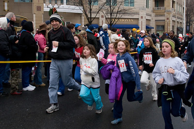 Sydney has been participating twice a week in a before-school program called Girls on the Run. The fall season finished with a 5K run during the 2nd Annual Girls on the Run Reindeer Romp. (Image taken with Canon EOS 20D at ISO 800, f8.0, 1/200 sec and 21mm)