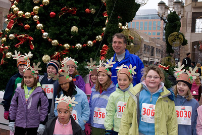 Sydney has been participating twice a week in a before-school program called Girls on the Run. The fall season finished with a 5K run during the 2nd Annual Girls on the Run Reindeer Romp. (Image taken with Canon EOS 20D at ISO 800, f7.1, 1/60 sec and 28mm)