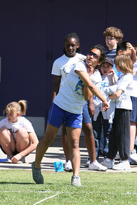 2007 Lutheran elementary school track meet. (Image taken with Canon EOS 20D at ISO 400, f5.0, 1/1600 sec and 195mm)