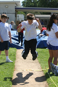 2007 Lutheran elementary school track meet. (Image taken with Canon EOS 20D at ISO 400, f7.1, 1/1250 sec and 75mm)