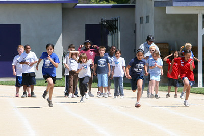 2007 Lutheran elementary school track meet. (Image taken with Canon EOS 20D at ISO 400, f5.6, 1/2000 sec and 200mm)