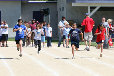 2007 Lutheran elementary school track meet. (Image taken with Canon EOS 20D at ISO 400, f5.6, 1/2000 sec and 160mm)