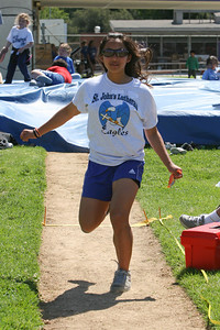 2007 Lutheran elementary school track meet. (Image taken with Canon EOS 20D at ISO 400, f7.1, 1/1600 sec and 80mm)
