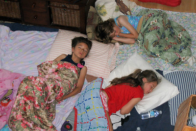 Sydney and a few friends had a sleep over to spend time together before our move to Virginia. (Image taken with Canon PowerShot A95 at ISO 0, f4.5, 1/60 sec and 19.3mm)