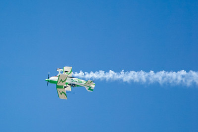"""Bill Cornick's Pitts S-2C """"Big Bad Green"""". 2007 Point Mugu Air Show (Image taken with Canon EOS-1D at ISO 200, f4.0, 1/3200 sec and 280mm)"""