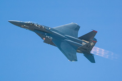 F-15E Eagle 89-0485 / SJ. 2007 Point Mugu Air Show (Image taken with Canon EOS-1D at ISO 200, f4.0, 1/2000 sec and 280mm)