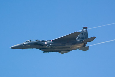 F-15E Eagle 89-0485 / SJ. 2007 Point Mugu Air Show (Image taken with Canon EOS-1D at ISO 200, f4.0, 1/3200 sec and 280mm)