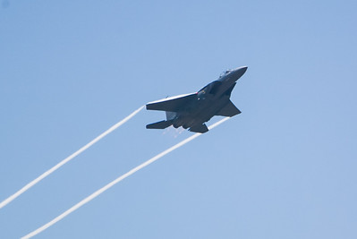 F-15E Eagle 89-0485 / SJ. 2007 Point Mugu Air Show (Image taken with Canon EOS-1D at ISO 200, f4.0, 1/6400 sec and 280mm)