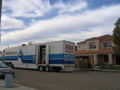 The movers took two days to pack (26-27 Nov) our home in Oxnard and one day (28 Nov) to load and go. (Image taken with Canon PowerShot A95 at ISO 0, f5.0, 1/500 sec and 7.8mm)