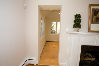 Entry to sunroom. 4357 26th Street N, Arlington VA (Image taken with Canon EOS 20D at ISO 200, f5.6, 1/60 sec and 10mm)