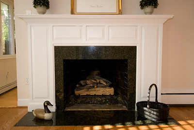 Gas fireplace. 4357 26th Street N, Arlington VA (Image taken with Canon EOS 20D at ISO 200, f4.5, 1/60 sec and 20mm)