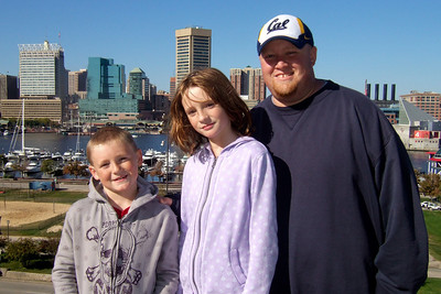 Christopher, Sydney and Robert on Federal Hill in Baltimore (19 Oct 2008) (Image taken with FinePix F10 at ISO 200, f6.4, 1/800 sec and 8mm)