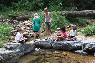 Christopher's 3rd grade class field trip to Donaldson Run Park. (Image taken with FinePix F10 at ISO 200, f3.2, 1/220 sec and 10.4mm)