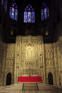 While Dad stayed at the house to enjoy some peace and quiet, Pat took his mother, Mary Clare, to the Washington National Cathedral for a tour. (Image taken with FinePix F10 at ISO 800, f2.8, 1/25 sec and 8mm)
