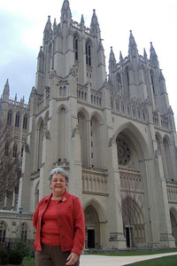 While Dad stayed at the house to enjoy some peace and quiet, Pat took his mother, Mary Clare, to the Washington National Cathedral for a tour. (Image taken with FinePix F10 at ISO 200, f4.0, 1/250 sec and 8mm)