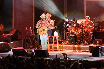 Betsy, Frank, Kathy and Pat had a great evening at the Alan Jackson concert at the Mid-State Fair in Paso Robles. Betsy was able to get skybox seats from her boss, so we had great seats. (Image taken with Canon EOS DIGITAL REBEL XT at ISO 1600, f5.6, 1/50 sec and 280mm)
