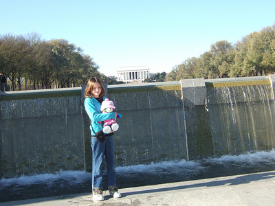 Sydney at the National World War II Memorial. (Image taken with FinePix F10 at ISO 200, f5.6, 1/400 sec and 12.2mm)