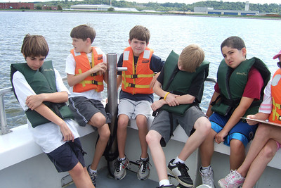 Sydney's 5th grade class from Taylor Elementary had a great field trip on the Potomac River guided by the Chesapeake Bay Foundation. (Image taken with FinePix F10 at ISO 80, f4.0, 1/280 sec and 8mm)