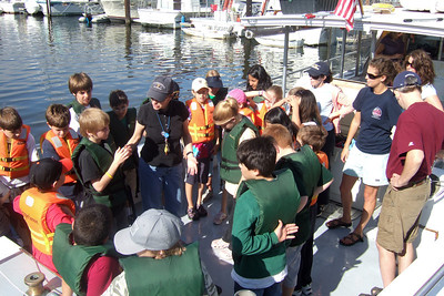Sydney's 5th grade class from Taylor Elementary had a great field trip on the Potomac River guided by the Chesapeake Bay Foundation. (Image taken with FinePix F10 at ISO 80, f4.5, 1/400 sec and 8mm)