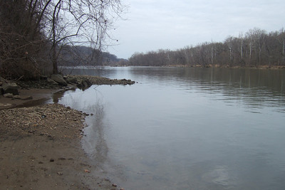 View of Potomac River from Windy Run Park, Arlington VA (Image taken with FinePix F10 at ISO 80, f4.5, 1/320 sec and 8mm)