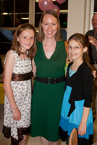 Sydney and Meredith with Ms. Magnolia. Taylor Elementary 5th Grade Graduation (15 Jun 2009) (Image taken with Canon EOS 20D at ISO 400, f4.0, 1/60 sec and 21mm)