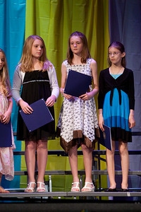 Ashley, Sydney and Meredith. Taylor Elementary 5th Grade Graduation (15 Jun 2009) (Image taken with Canon EOS 20D at ISO 1600, f2.8, 1/320 sec and 145mm)