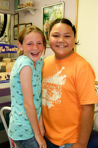 Sydney and Alanna (31 Jul 2009) (Image taken by Kathy T. Kane with FinePix F10 at ISO 800, f2.8, 1/100 sec and 8mm)
