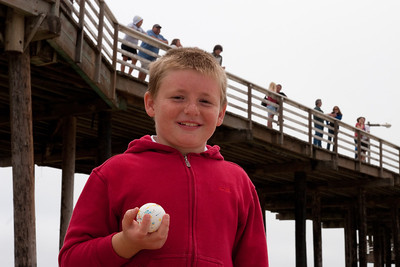 Christopher in Pismo Beach (01 Aug 2009) (Image taken with Canon EOS 20D at ISO 400, f14.0, 1/500 sec and 48mm)