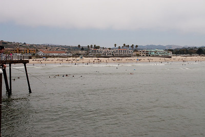 A view from the pier in Pismo Beach (01 Aug 2009) (Image taken with Canon EOS 20D at ISO 400, f16.0, 1/800 sec and 30mm)