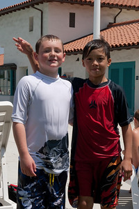 Christopher and Eli at the aquatic center in Ventura (30 Jul 2009) (Image taken with Canon EOS 20D at ISO 400, f14.0, 1/640 sec and 48mm)