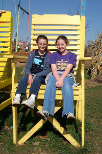 Sydney and Claire enjoying the day at the Cox Farms Pumpkin Patch (Image taken by Sydney J. Kane on 03 Nov 2009 with FinePix F10 at ISO 80, f5.6, 1/640 sec and 8mm)