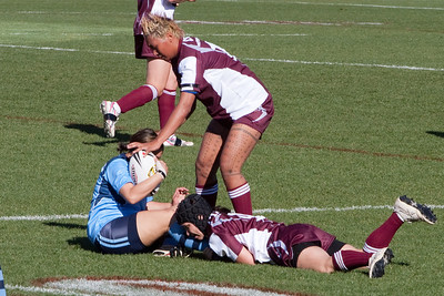 Kathy's neice, Natalie #9, playing in the Australian Women's Rugby League (AWRL) State of Origin game. Her team, Queensland, defeated New South Wales 20 to 14 (18 Jul 2009) (Image taken with Canon EOS 20D at ISO 400, f9.0, 1/1000 sec and 200mm)