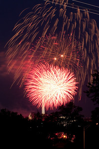 4th of July fireworks as viewed from the Marine Corps War Memorial in Arlington (Image taken by Patrick R. Kane on 04 Jul 2010 with Canon EOS 20D at ISO 200, f11.0, 1/2 sec and 85mm)