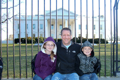 Pat and Sydney and Christopher in front of the White House (06 Mar 2010) (Image taken by Chris Giacomazzi on 06 Mar 2010 with FinePix F10 at ISO 200, f2.8, 1/320 sec and 8mm)