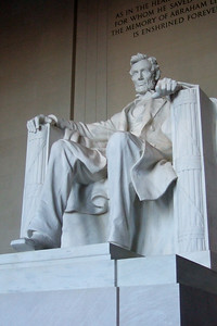Lincoln Memorial (Image taken by Patrick R. Kane on 06 Mar 2010 with FinePix F10 at ISO 800, f3.4, 1/120 sec and 12.2mm)