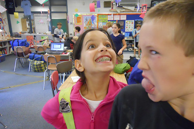 Sylvia and Matt with their 5th Grade class at Taylor Elementary School before heading to the Arlington Outdoor Lab (Image taken by Christopher R. Kane on 23 Sep 2010 with COOLPIX S570 at ISO 800, f2.7, 1/80 sec and 5mm)