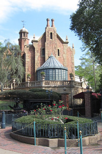 The Haunted Mansion at Disney's Magic Kingdom (Image taken by Kathy L. Kane on 27 May 2012 with Canon PowerShot ELPH 100 HS at ISO 0, f2.8, 1/640 sec and 5mm)